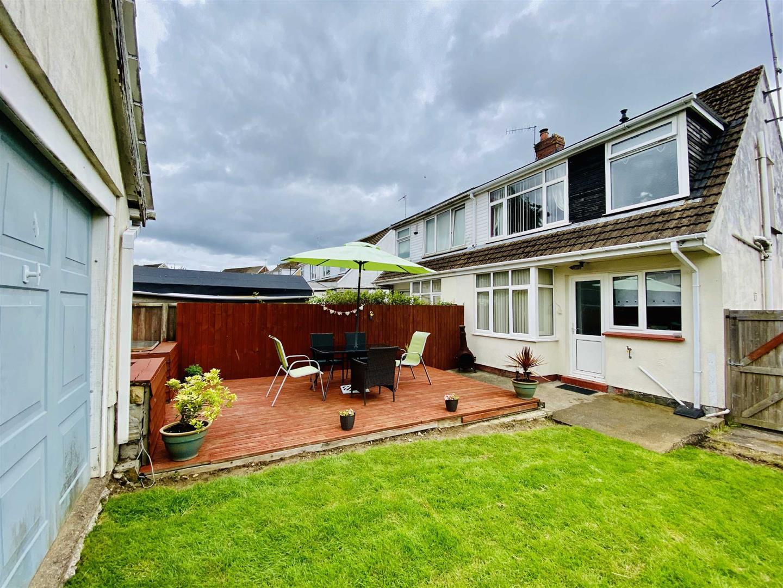 18 Broadmead, Killay, Swansea, SA2 7EE